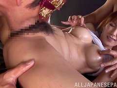 Shinju Murasaki has to play with two cocks in this hot clip