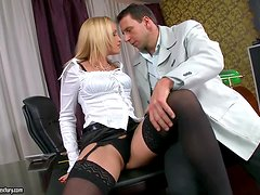 Business lady gets an office shag to relieve the stress