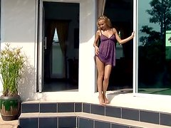 Delectable Doll Makes Us All Desire Her Big Time