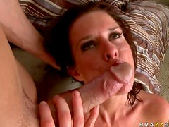 Making Veronica Avluv Squirt With a Big Cock Fucking