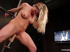 Horny Blonde Has A Great Time With Fucking Machines