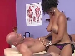 Ebony Masseuse Sucks And Jerks A Big Cock