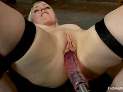 Pleasuring Machine Fucking With A Hot Blonde