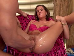 Rough Sex And Fisting Fun For A Hot Babe