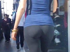 Fantastica chica en leggings (by odor666)