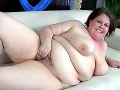 Fat slut goes solo and plays with her snatch