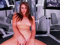 Enjoy watching the gym masturbation from very beautiful hottie Shae Snow. She takes everything