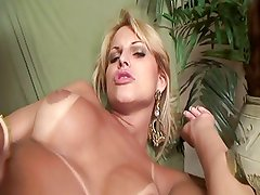 Mega hot tranny fucks and gets fucked