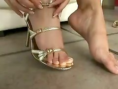 Jasmin shows off her feet and smears them with whipped cream