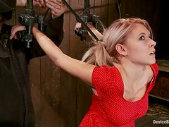 Beautiful blond babe gets her hair pulled with ropes