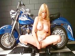 First a shower then squirt on bike