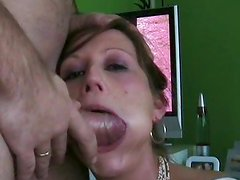Babe deepthroat fucked with cumshot
