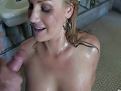 Flower Tucci - Golden Shower