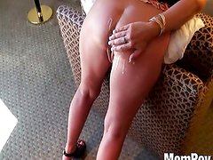 Blonde amateur cougar gets anal
