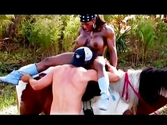 Muscle black mature sex on a hors