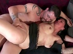 Fat body mature slut fucked in hairy cunt