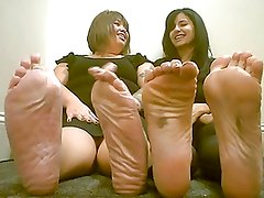 2 Latinas 1 BBW thick wrinkled soles 1 wrinkled stinky soles