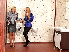 FASHIONABLE WHORES FACE BLASTED IN CUM  / STACY SILVER, ZUZANA Z