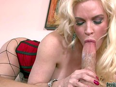 Diamond Foxxx is a beautiful fair-haired busty milf in incredibly