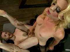 Horny Dude Getting His Ass Fucked Hard by Blond Tranny Tyra Scott