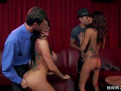 Hot and arousing brunette bombshell Gia Dimarco gets her shaved