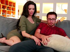 Veronica Avluv seems to be unable to stop sucking this dick