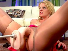 Blonde si horny and eager