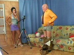 Perverse daddy welcomes zealous blowjob from tasty looking Zuzana C