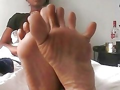 Toes Spreading