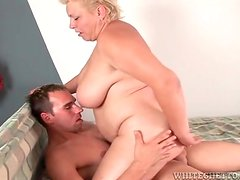 Fat older lady rocks on his cock with tight cunt