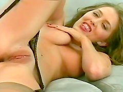 Amateur blonde gives amazing solo