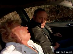 This odd couple start getting frisky in the car