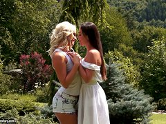 Lesbian Fun Under The Sun! These Dykes Get Suntanned In The Garden