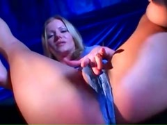 Amber Michaels gives blowjob in lace lingerie