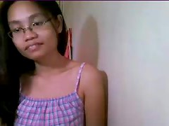 ruth cute little filipina cam gal