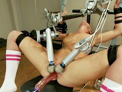 Lizzy London gets pleased by brand new fucking machine