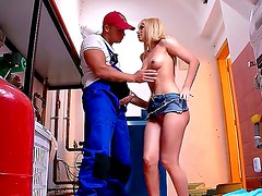 Aleska Diamond loves to give hard blowjobs since