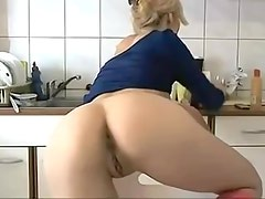 Smokin' Hawt Cam Blond Mother I'd Like To Fuck Anal and Cunt Vibrator
