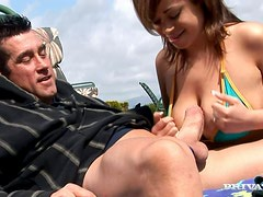 Beach side penetration with a desirable siren Chavon Taylor