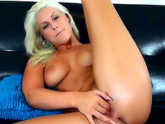 Sexy blonde Blanche with big ass and nice natural
