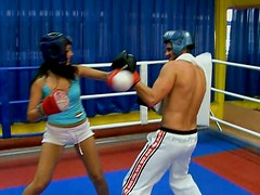 Boxing girl  gives blowjob in the ring