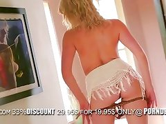 Amazing blonde girl Mia Malkova loves to show all