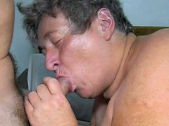Granny gives blowjob and takes toy in her pussy