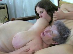 Lesbian granny gets her nipples sucked by brunette