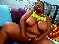 Slutty BBW Sabrina Love gets her fat pussy expertly eaten out
