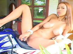 Busty Latina mom with shaved puss fuck her hole