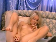 Lustful beauty squirts