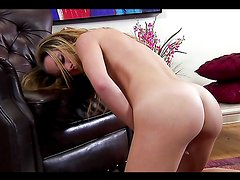 Solo fun with the naughty blonde teen Taylor Dare