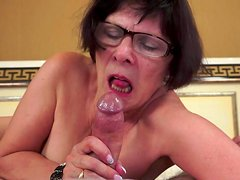 Dark-haired granny love to feel this dick