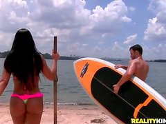 Filthy Brazilian seduces her man on the beach for anal sex